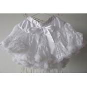 Baltas sijonas su gipiūru
