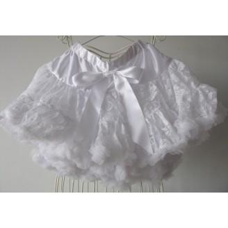Baltas sijonas su gėlėtu nėriniuotu sluoksniu