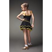 Trumpas lotynų sijonas su juodu kantu
