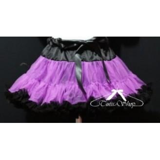 Violetinis sijonas su juodais raukinukais