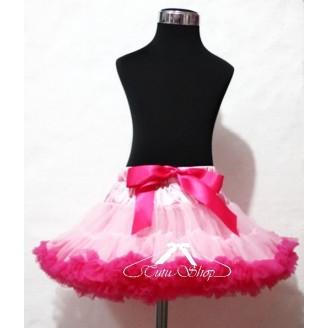 Šviesiai rožinis sijonas su ryškiais raukinukais