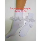 Kojinės su nėriniais platesne gumyte